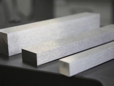 Böllinghaus Steel: Vorzüge geschliffener Edelstahl-Profile